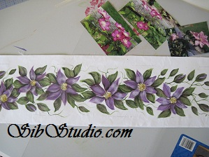 Center strip of painted flowers for quilt  sibstudio dot com